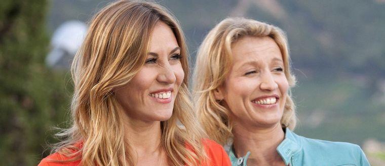 retour-chez-ma-mere-alexandra-lamy-et-mathilde-seigner-deux-actrices-petillantes-et-populaires-au-destin-croise-video